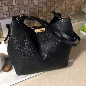 Auth. Burberry Black Canterbury Leather Tote Bag